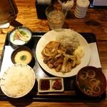 門 - もち豚の生姜焼定食1,000円