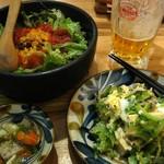 琉球料理といまいゆ しんか/肉バル&ダイニングヤンバルミート - あぐーのごーやーちゃんぷるーと石焼きタコライス。