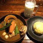 ラマイ - 料理写真:スープカレーとラマレモン