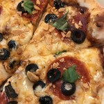 87956356 - ジェノヴァのピザ。                       美味し。