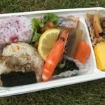 滋味健味弁当 べに家 - 料理写真:春の行楽弁当