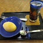 権現茶屋 - 料理写真:マンゴーアイス 冷紅茶付 300円 (2018.6)