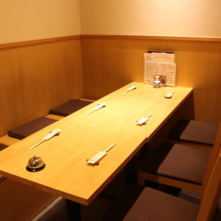 ◇全28席◇寿司屋の醍醐味・カウンター席、寛ぎの個室空間あり