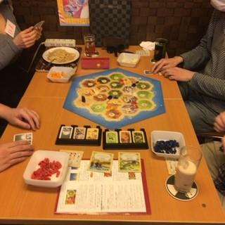 飲食・喫煙しながらボードゲームで遊べる!