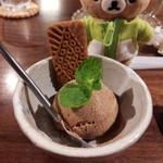 Putali Cafe - 夜イートイン。セットのデザートはチャイアイスにしました。