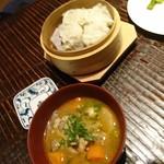 籠太 - 鶏シューマイ+鶏もつ煮込み