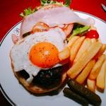 87971437 - 青森産 短角牛のBLTハンバーガー