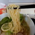 旭川大吉ラーメン - 麺