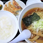 ワン・ツウらーめん - 料理写真:Cセット(ラーメン+餃子4個+半ライス)麺大盛