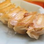 87985165 - 餡の野菜の旨味が印象的な焼餃子でした!