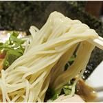 中華蕎麦 瑞山 - すべすべな食感の麺。