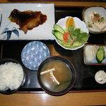 虹乃丘 - 和食膳(写真以外にプラス 天ぷら、刺身)