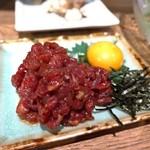 日本のお酒と馬肉料理 うまえびす - 馬ユッケ