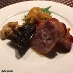 中国料理 空 - 窯焼き焼豚、自家製の腸詰、海月の冷製、鰊の薫香焼