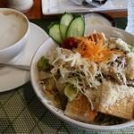 じょ庵 - 料理写真:リッチカフェラテとモーニング(サラダパンセット)