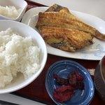 ひもの食堂 - 赤魚の定食