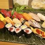 築地寿司岩 - 料理写真:「特選満腹握り」(2980円)