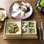 ザ タヴァン グリル&ラウンジ - Lunch Box