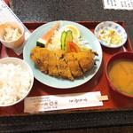 津ミートカシワギ - 料理写真:日替り定食 650円 野菜巻き
