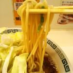 88007662 - 博多ラーメンより太めのストレート麺