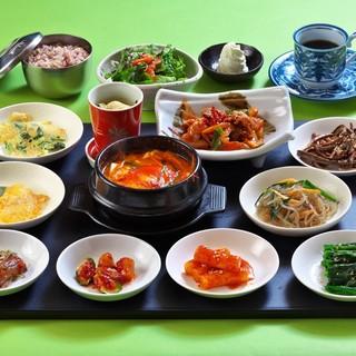 韓国人シェフがおもてなし。