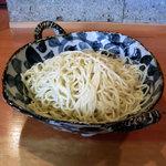 8801549 - 千歳烏山「中華そば 榮じ」つけめん(大)の麺鉢