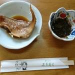 88013779 - 赤魚煮付け  と    もずく  2品も つきます (^^)/