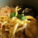かまよし - 料理写真:五目釜めしアップ