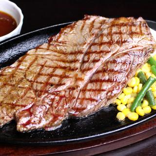 食材や味は本格的でもリーズナブル♪自信のステーキ&ハンバーグ