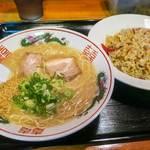 白龍食堂 - 料理写真:「ラーメンセット」(650円)。