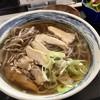 手打ちそば 忠士 - 料理写真:肉そば(親鳥)温 650円(他に小鉢等付)