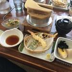 釜めしの店 やか多 - ランチの釜飯定食