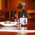 8803622 - 先ずは地元「谷櫻」の冷酒です。