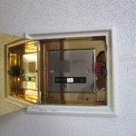 クラブ33 - この扉を開けるとインターホンが現れ入り口を開けてくれますよ