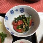 ホテル大将 - ほうれん草とトマトの煮物