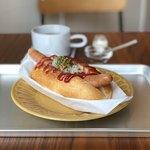 カフェ ニコリ - 自家製パンのホットドッグ、コーヒー