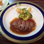8804579 - 牛ヒレ肉のアミ焼き