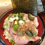 88041677 - 「特製すごい煮干しラーメンローストポーク丼セット」(1380円)のローストポーク丼