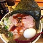 88041687 - 「特製すごい煮干しラーメンローストポーク丼セット」(1380円)のラーメン