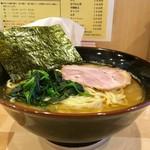 横浜ラーメン 北村家 - 料理写真:[2018/06]ラーメン・大盛・麺固め(780円)