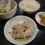 88048136 - セットのライス・スープ・蒸し鶏・ザーサイ