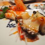 焼肉エクセレント - 海鮮を綺麗に盛り付け