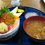 88050105 - おみぐし丼A 1800円