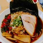 吉凛 - 【限定】煮干しのらぁ麺(税込750円)を醤油味で。ネギ(200円)と激辛唐辛子(プリッキーヌ180円)をトッピング。ホットペッパークーポンで海苔が1枚➡5枚に。