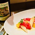 フランス食堂 ビストロ ラポムドパン - ホワイトアスパラと生ハム・マンゴー