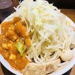 火の豚 - フュージョン+うずら玉子(ヤサイマシにんにく生姜)