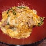 焼鳥 トリビアン - 軍鶏の親子丼