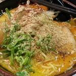 拉麺福徳 - ハバネロ700円に食べログクーポンで味たまに胡麻かけました