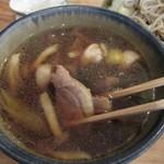 山横沢 - 鴨肉やシメジがたっぷり