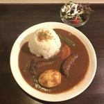 ゆうじ屋 - 野菜カレー 900円(税込)       ゆで卵 50円(税込)